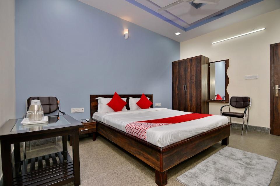 OYO 16577 Hotel Rajshree