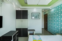 OYO Home 16587 Compact Studio Rooms Near Mg Road