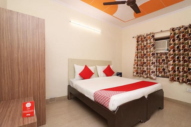 OYO 16642 Flagship Hotel Mahadev
