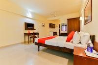 OYO 16663 Plaza Suites Hotel