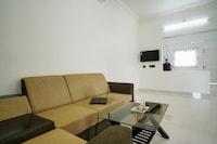 OYO Home 16672 Elegant 2BHK