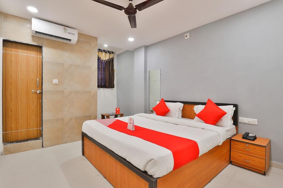 OYO 16675 Hotel Shri Krishna Inn, Sachin Surat, Surat