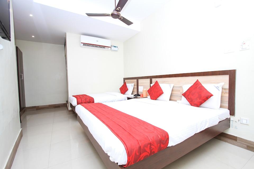 OYO 16691 Hotel Chakkaravarthi