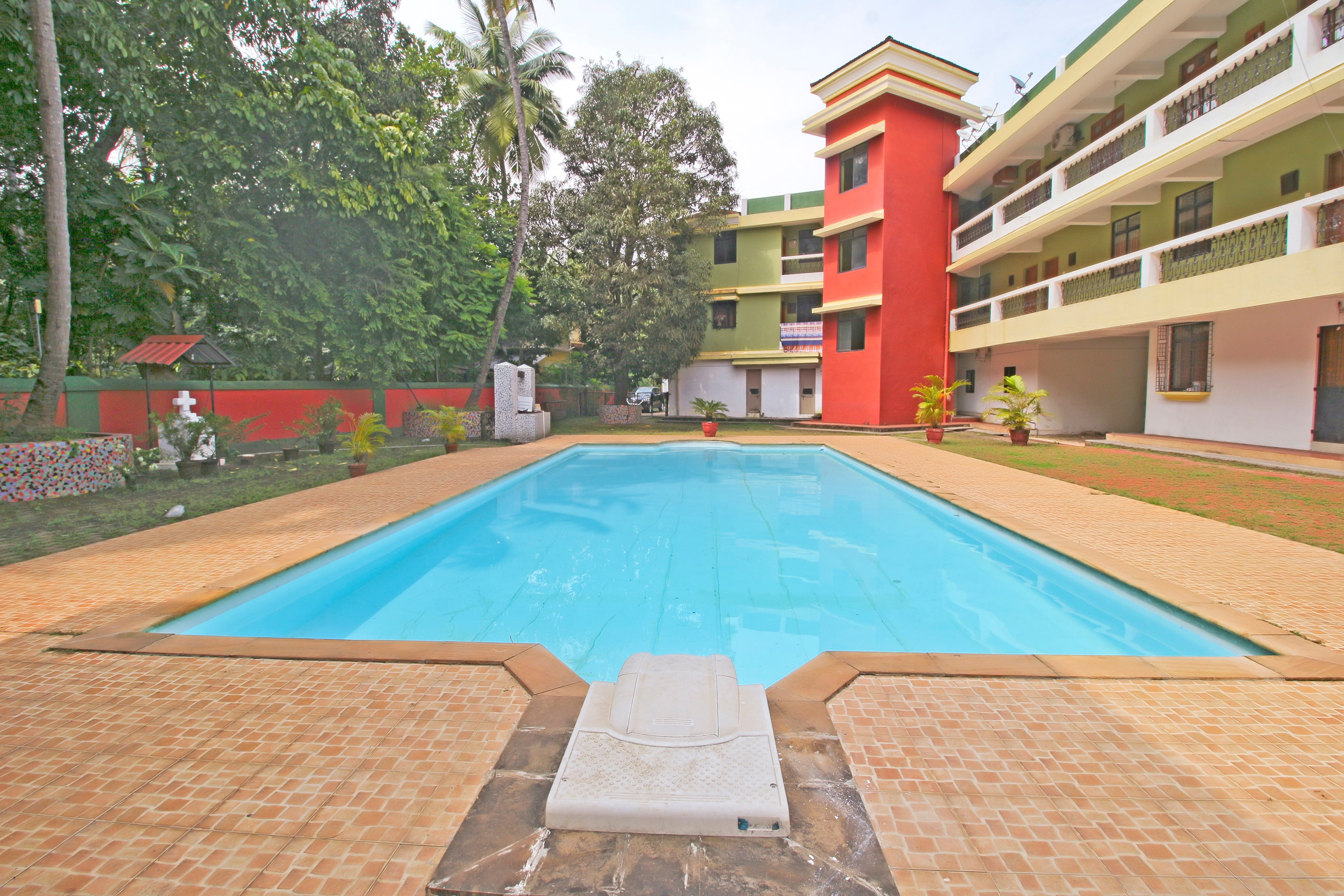 Hotel Gallarey OYO Home 16698 Field View 2BHK