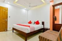 OYO 16711 Malabar Plaza Inn
