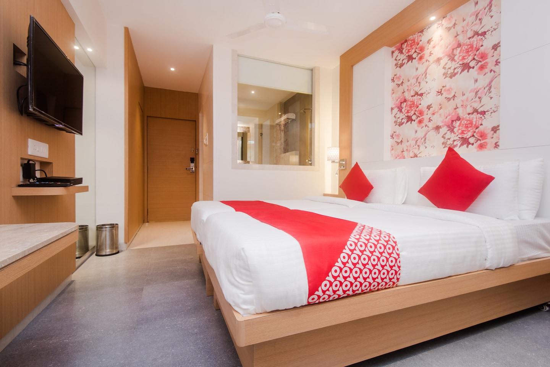 OYO 16718 Hotel Aditya Residency -1