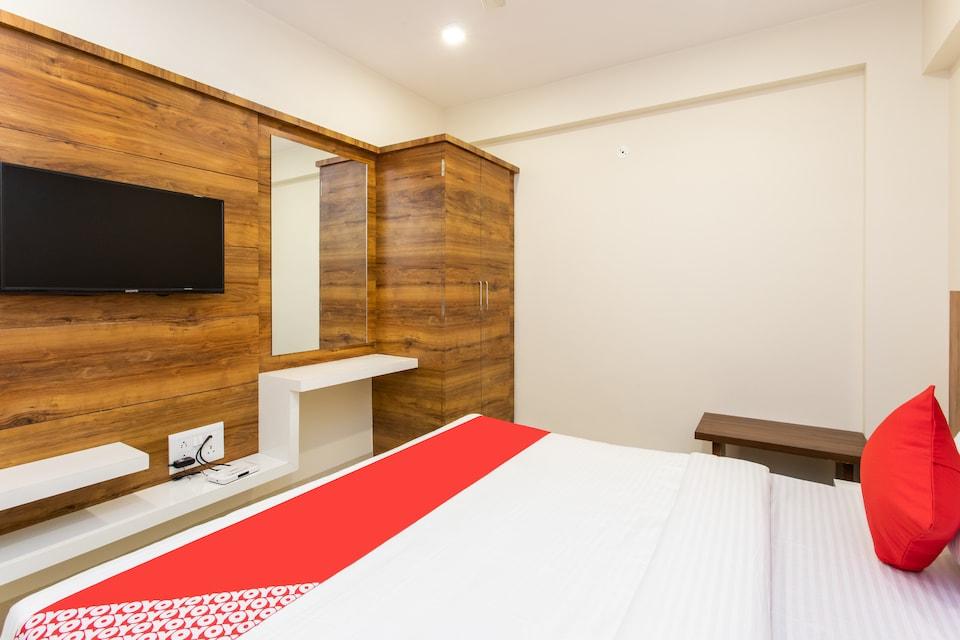 OYO 16740 Virat Hotel And Restaurant, Airport Road - Indore, Indore
