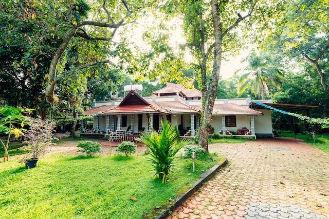 OYO 16750 Home Modern Rooms Marari, Alappuzha