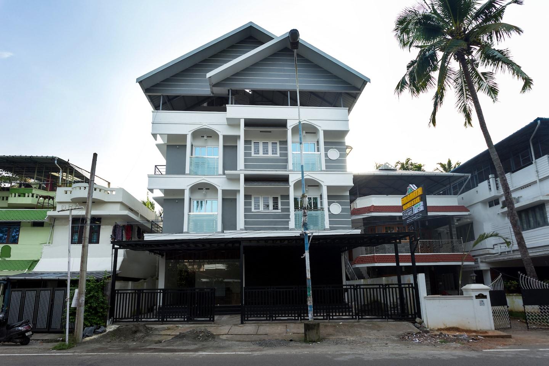 OYO Home 16752 Elegant Stay -1