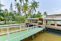 OYO Home 16796 House Boat Stay Kothad Backwaters
