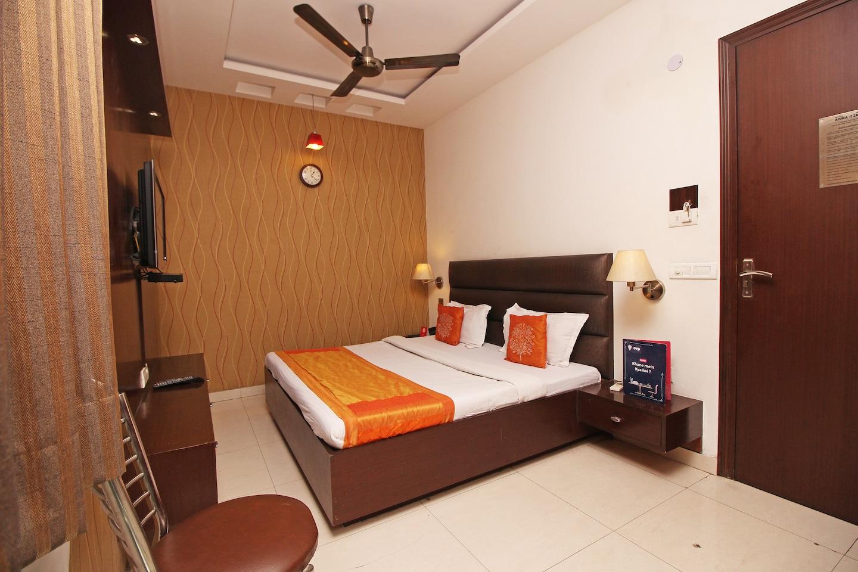 OYO 2791 Hotel Arina Inn -1