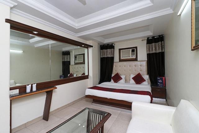 Palette - Abhimaani Vasathi