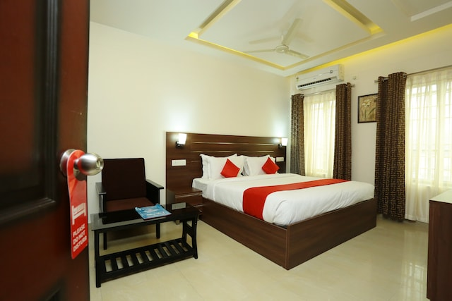 OYO 16812 Hotel Padippurayil