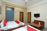 OYO 16818 Hotel Parakh Deluxe