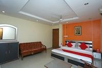 OYO 16818 Hotel Parakh