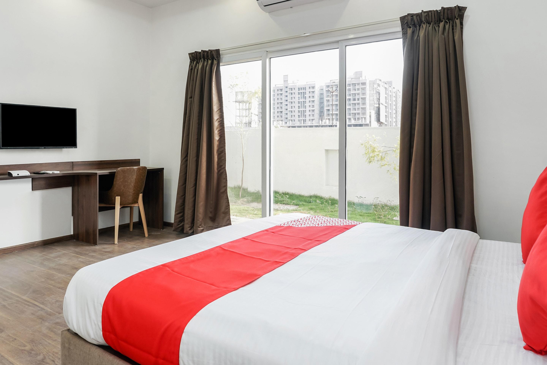 OYO 16832 Hotel I Suite 2