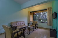 OYO Home 16848 Green View 2BHK