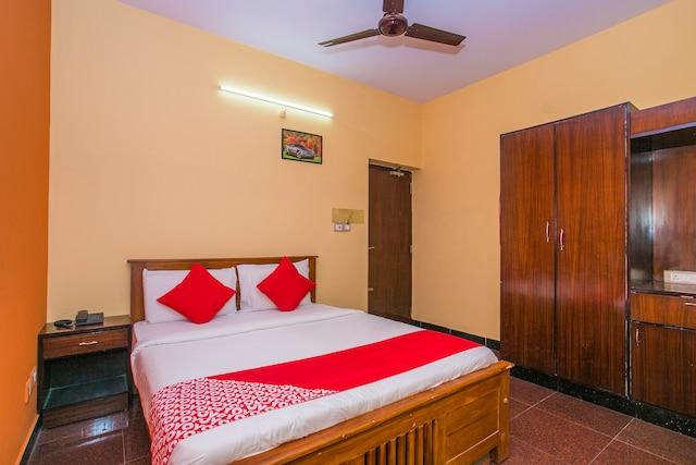OYO 16896 Priyanka Residency