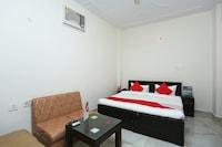 OYO 16904 Hotel Maharaja Palace Deluxe