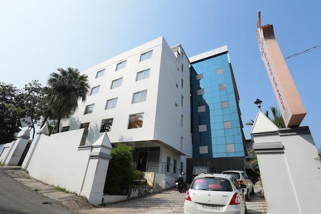 OYO 16910 Hotel Prince Palace