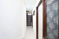 OYO 16948 Hotel Jp Palace Saver