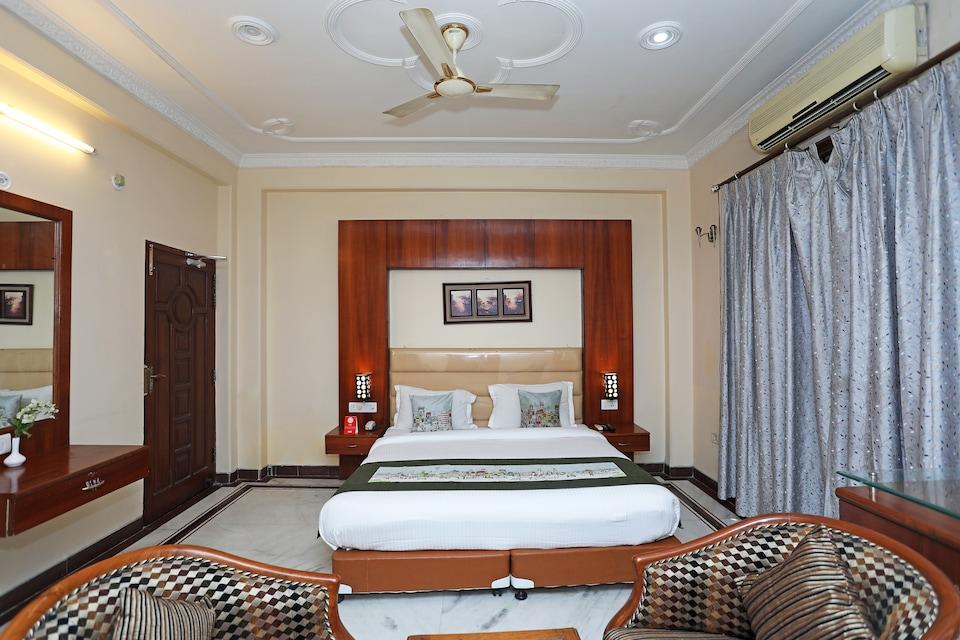 OYO 2801 Magnate Hotel