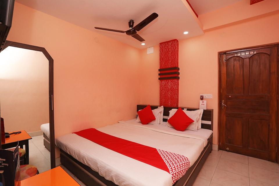 OYO 26443 Panasia Hotel