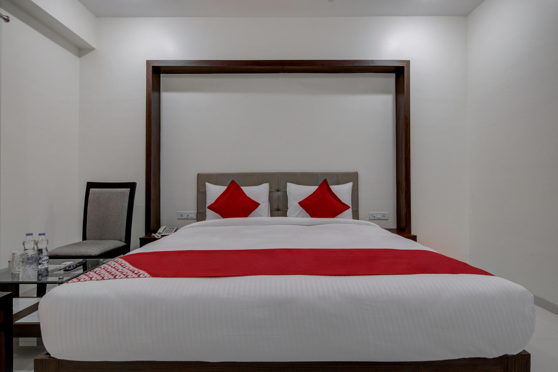 Capital O 16971 Hotel Lorven