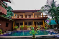 OYO 16976 Pool View 3BHK
