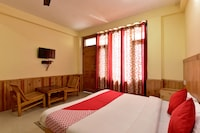 OYO 16988 Hotel White Orchid