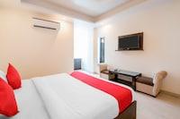OYO 17020 Hotel Raj Palace