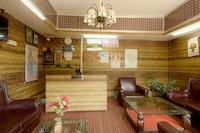 OYO Home 17021 Riverfront Stay