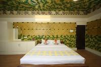 OYO Home 17061 Bamboo House 1BHK
