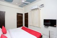 OYO 17066 Hotel Pushpa Palace
