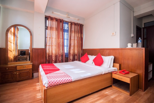 OYO 17067 Maitreya Guest House Suite