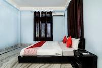 OYO 17077 Elegant Guest House