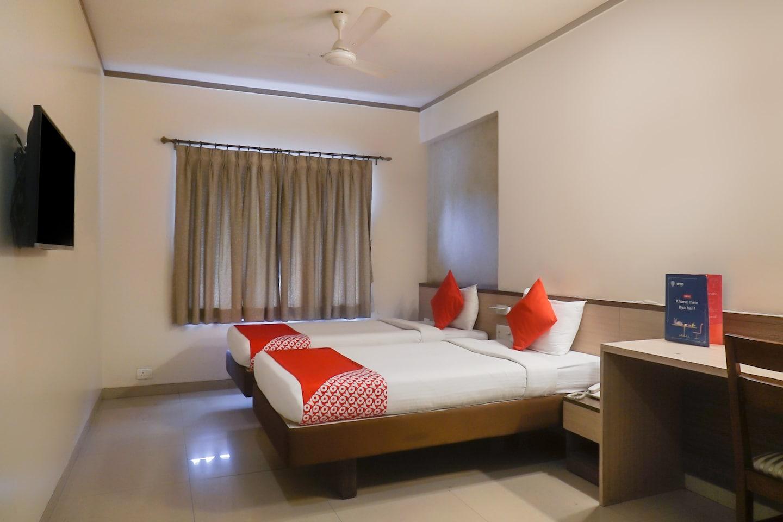 OYO 17104 Flagship Hotel Kapil Residency -1