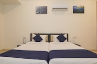 OYO 17129 Hotel Aviva Executive