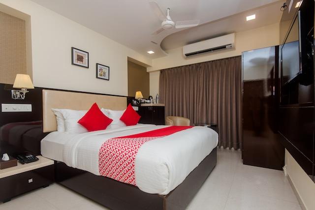 OYO 17151 Hotel Laaiba Residency
