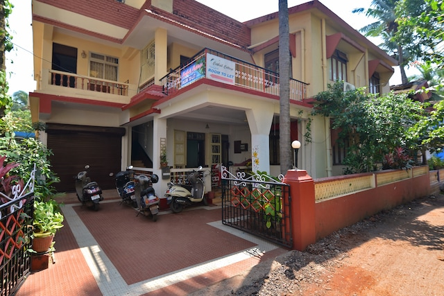 OYO 17163 Home Decent Studio Calangute