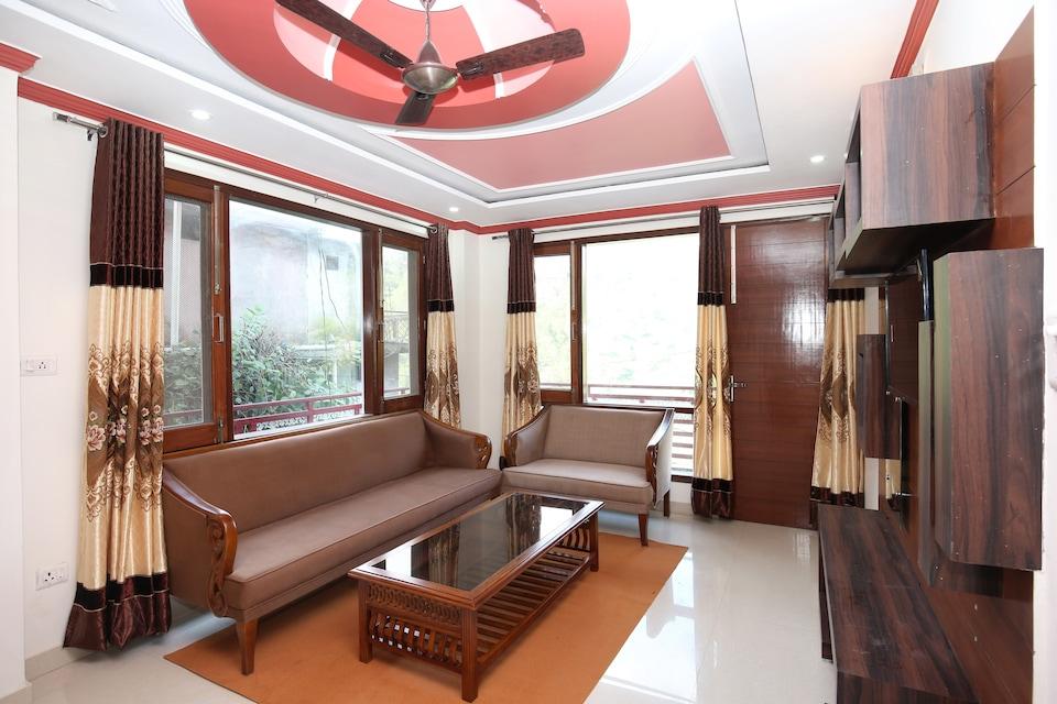 OYO Home 17175 Blissful 2BHK Kumarhatti