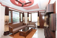 OYO Home 17175 Blissful 2BHK Kumarhatti