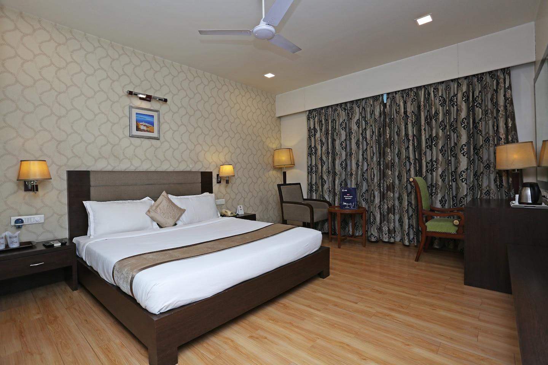 OYO 2827 Hotel Aditya -1