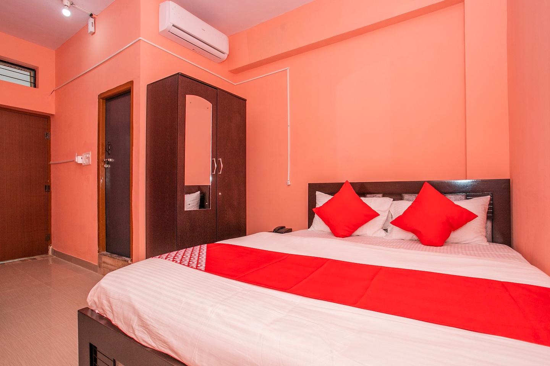 OYO 17177 Ams Hotel -1