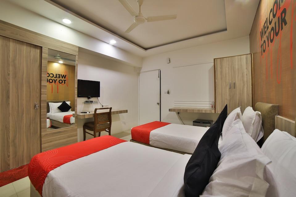 Collection O 17189 Hotel Kanak Ashram Road