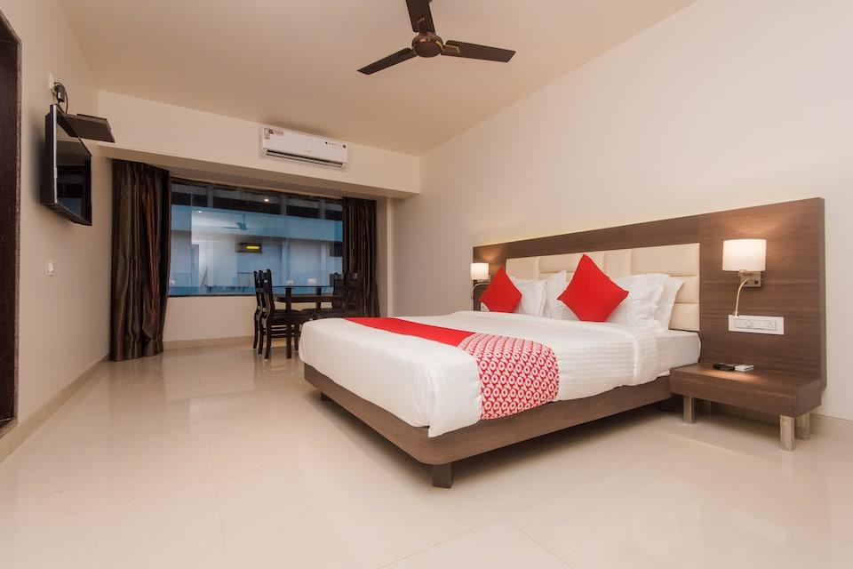 OYO 17192 Staycation Holidays, Mumbai Airoli-Vashi, Mumbai