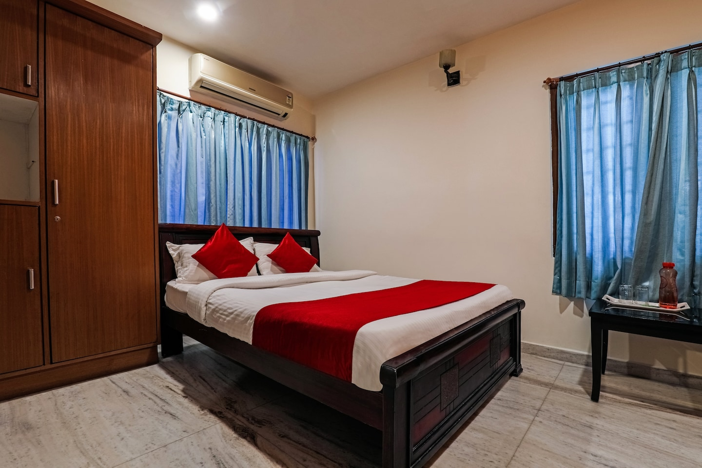 OYO 17206 Maanne Hospitality Services -1