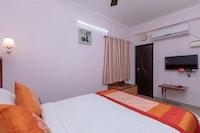 OYO 17224 Swarnam Residency
