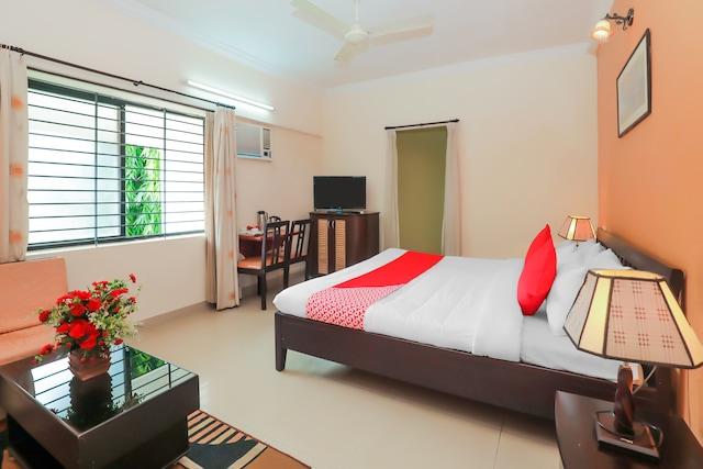 OYO 17278 Hotel Srinivas Suite