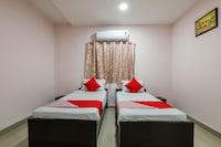 OYO 17279 Hotel Sky Inn